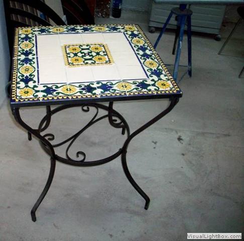 Tavoli Da Giardino Decorati.Tavoli Ceramizzati In Cotto Siciliano Terra D Arte Di Riccardo La